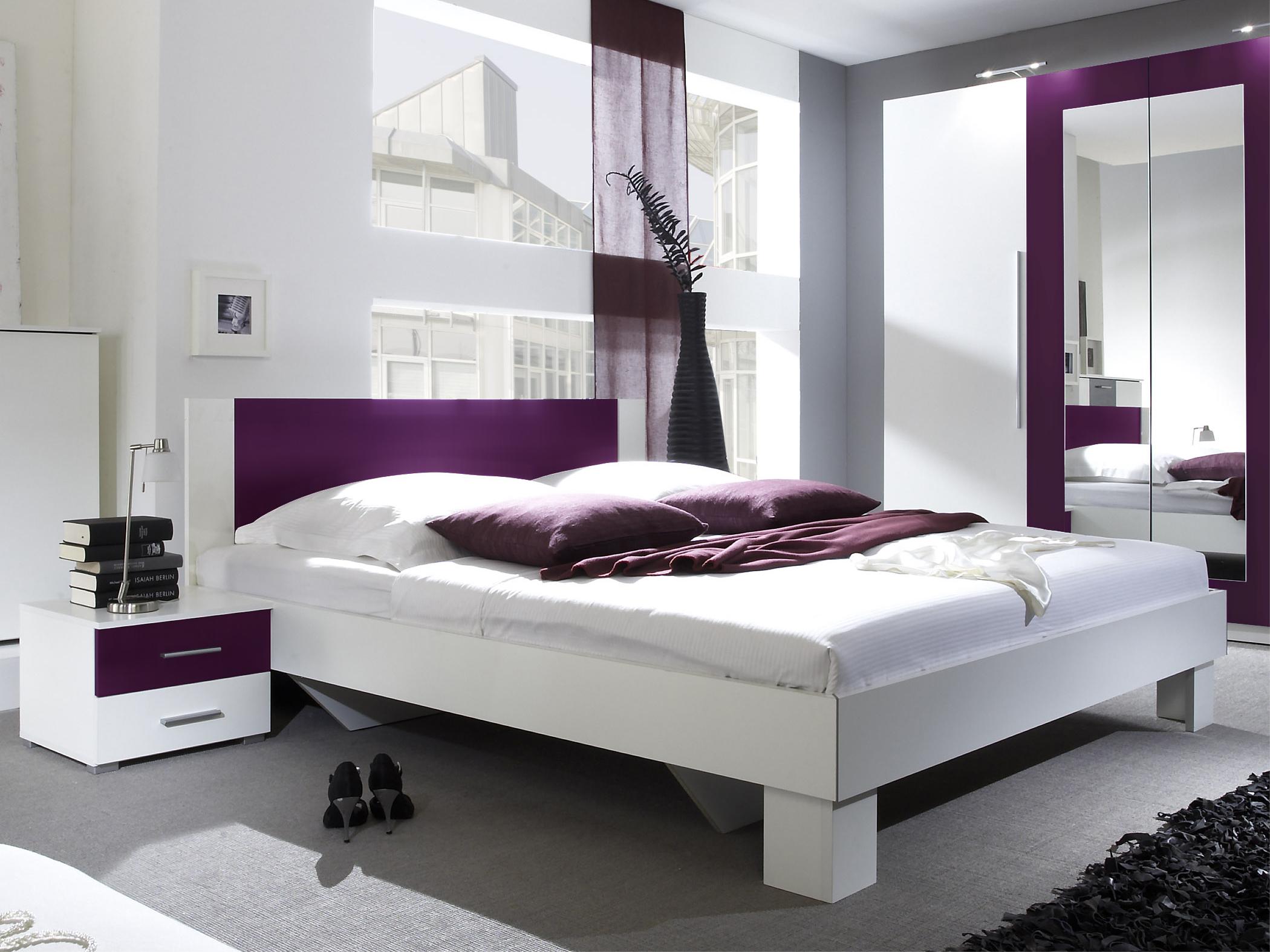 Manželská postel 160 cm - Verwood - Typ 51 (bílá + fialová) (s noč. stolky)